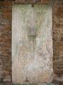 Sylvesterkapelle Grabplatte 02.jpg