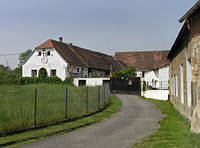 Týnec nad Sázavou, Pecerady, old farm.jpg