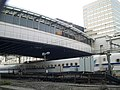 Tamachi station free passages over Tokaido Shinkansen 02.jpg