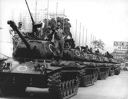 A convoy of tanks along the streets of the city in 1968 during the military rule. At time, Rio de Janeiro was a city-state, capital of Guanabara. Tanques ocupam a Avenida Presidente Vargas, 1968-04-04.jpg