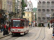 Фото.  Через две недели пассажиры львовских трамваев смогут насладиться бесплатным доступом в Интернет.