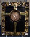 Tavolette-stauroteca, in rame dorato e cristallo di rocca, xiv secolo 03.jpg