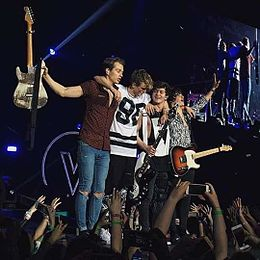 The Vamps Wake Up World Tour London 2016.jpg
