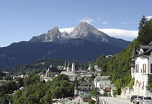 Berchtesgaden - Berchtesgaden with view of the Watzmann