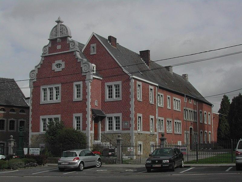 Verwaltungsgebäude der Apfelweinfabrik Ruwet in Thimister (Thimister-Clermont)