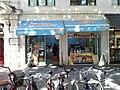 Tienda de buñuelos.jpg