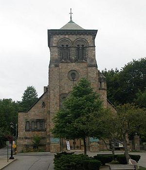 First Parish Church in Plymouth - The current First Parish Church building, built in 1899, in Plymouth is located downtown on Town Square at the base of Burial Hill (on the right)