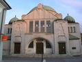 Trenčín, synagóga spredu.jpg