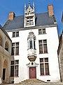 Troyes Hôtel des Ursins.jpg