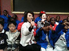Tsui-feng Sun and Hsiao-yen Chang at The Primary School 20101226.jpg