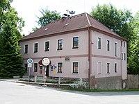 Tučapy (okres Tábor) - obecní úřad.jpg