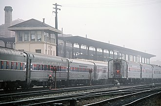 16th Street station (Oakland) - Amtrak trains at 16th Street station in 1980