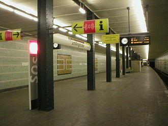 Schillingstraße (Berlin U-Bahn) - U-Bahn station Schillingstraße before its 2003 renovation