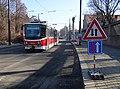 U plynárny, zastávka Plynárna Michle, tramvaj ve výstupní zastávce (01).jpg
