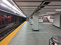 Union TTC subway station second platform 4.jpg