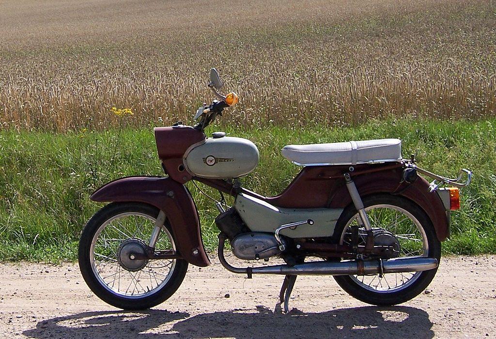 Des MZ dessinées par le designer Clauss Dietel 1024px-Unrestaurierter_SR4-2%2C_Baujahr_1967