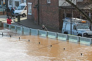 2013–14 United Kingdom winter floods - Flood protection in Upton-upon-Severn