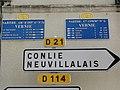 Vernie (Sarthe) plaques de cocher et de route.jpg