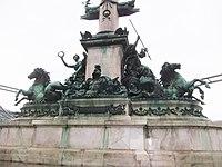 Vienna monument (11012656196).jpg