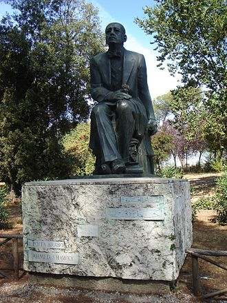 Ahmed Shawqi - Monument of Shawqi in Villa Borghese, Rome by Egyptian Sculptor Gamal El-Sagini