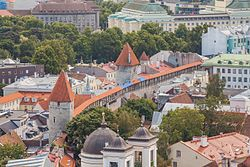 Vistas panorámicas desde la iglesia de San Olaf, Tallinn, Estonia, 2012-08-05, DD 17.JPG