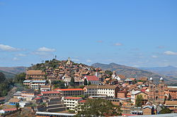 Vue globale de la ville Fianarantsoa 2.jpg