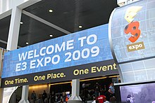 An image of the E3 2009 Expo banner outside of the convention center.