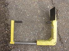 Wheel clamp - Wikipedia