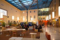 Wikimedia Hackathon Vienna 2017-05-20 Atrium 09.jpg