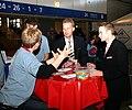 Wikipedia-Stand auf der Jugendmesse YOU Berlin (6512).jpg