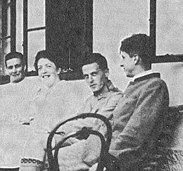 Ordre alphabétique - Page 27 260px-Wittgenstein1920