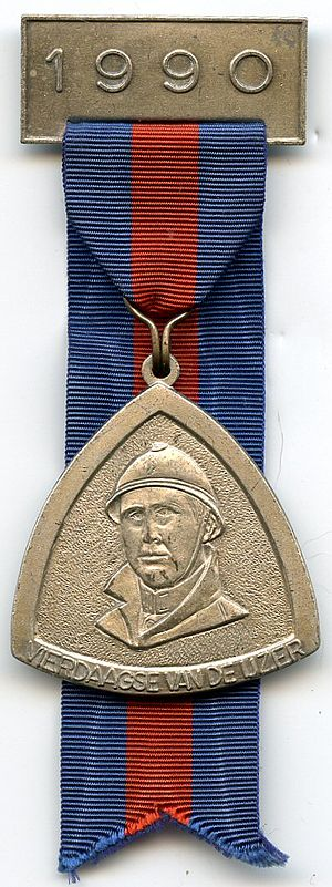 Commemorative Medals for Army Marches - Four Days of the Yser medal with 1990 bar