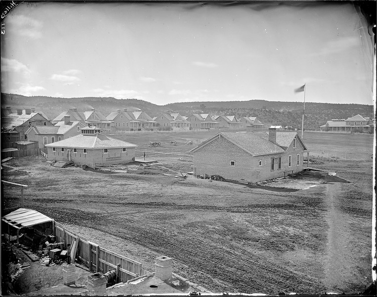File:(144)Fort Wingate, New Mexico (shows the fort and houses) - NARA - 517785.tif