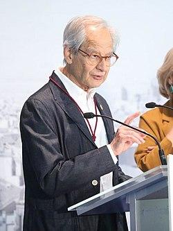 (El Roto) El Ayuntamiento premia a Carmen Linares, Juan Tamariz, 'El Roto' y la Mesa de las Pensiones con la Medalla de Oro de Madrid.jpg