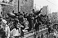 (Her) Intocht van Canadezen die Amsterdam bevrijdden op de Vrijheidslaan, Bestanddeelnr 930-8146.jpg