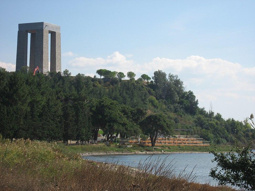 %C3%87anakkale Martyrs Memorial - panoramio