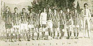 Apostolos Nikolaidis (athlete) - With the football team of AEK (on the right)