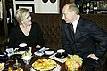 Владимир Путин в гостях у актрисы Алисы Фрейндлих 2.jpg