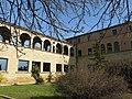 079 Seminari Nou, rda. Francesc Camprodon (Vic), ala oest de la façana.jpg