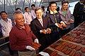 12.09 副總統與新竹市長林智堅一同推薦「新竹香山大庄烏魚養殖場」的烏魚子 (31528783335).jpg