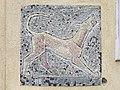 1210 Jedleseerstraße 79-95 Stg. 58 - Mosaik-Hauszeichen Hund von Rudolf Beran 1955 IMG 0706.jpg