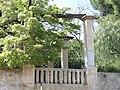 151 Can Botey, o Can Casadellà (Premià de Dalt), pèrgola del jardí, des del c. de la Cisa.jpg