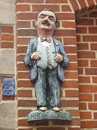 Statuette d'Hercule Poirot à Ellezelles.