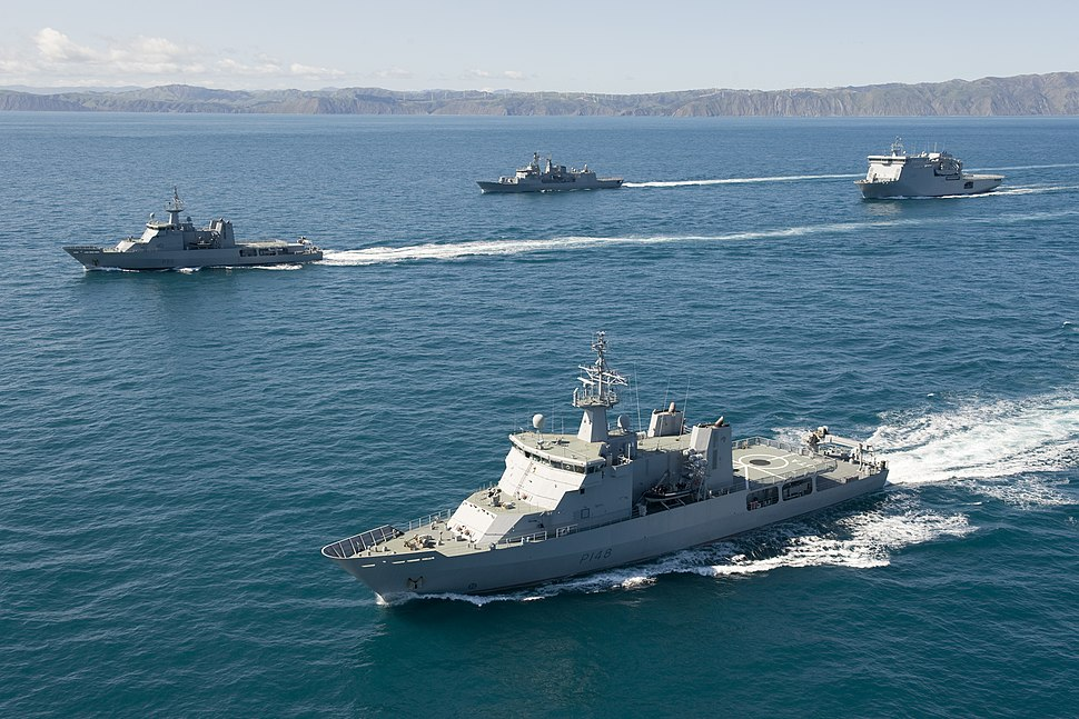 Four major units of the RNZN cruise in the Cook Strait in 2011 (clockwise from foreground – Otago, Wellington, Te Mana and Canterbury)