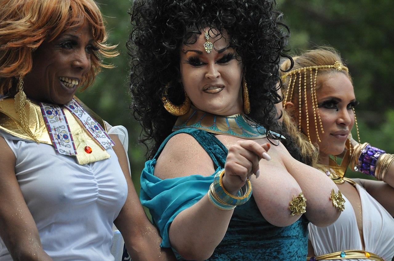 2012 NYC Pride Parade 08.jpg