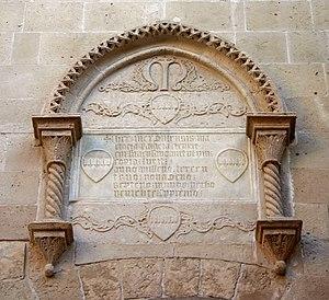 Palazzo Montalto - The aedicula containing the inscription