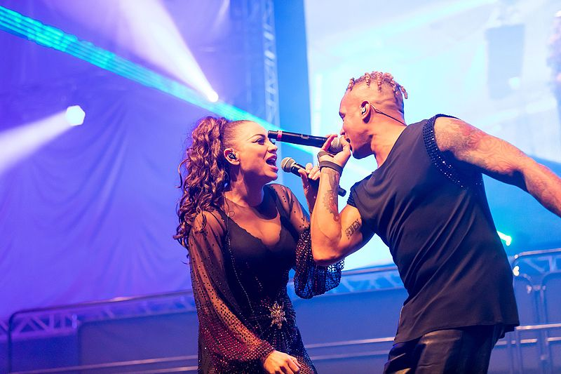 File:2 Unlimited - 2016332013353 2016-11-26 Sunshine Live - Die 90er Live on Stage - Sven - 1D X II - 1770 - AK8I7434 mod.jpg