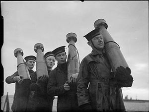 Unrotated projectile - Crew with 7-inch UP projectiles on HMS King George V