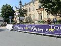 Aire d'arrivée du prologue du Tour de l'Ain 2013 devant la mairie et le parlement des Dombes.JPG