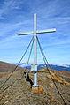 Albeck Seebachern Bretthoehe Gipfelkreuz 25102013 653.jpg